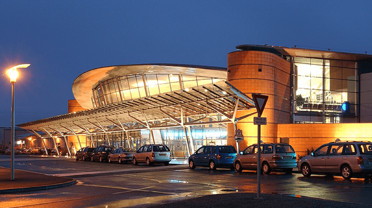 AEROPORT PAU *
