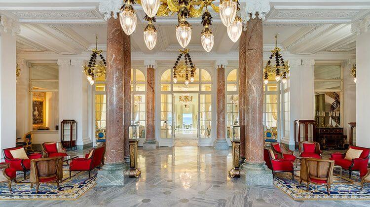 Salon intérieur de l'hôtel du palais à Biarritz